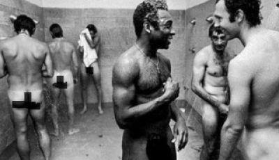 Pada Sebuah Potret Telanjang Pele dan Beckenbauer