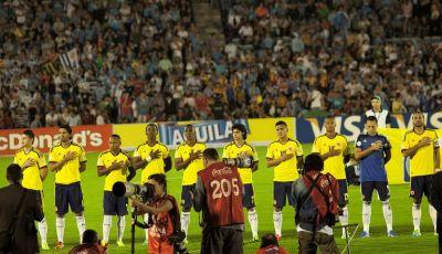 Plata o Plomo: Paradoks Sepakbola Amerika Latin*