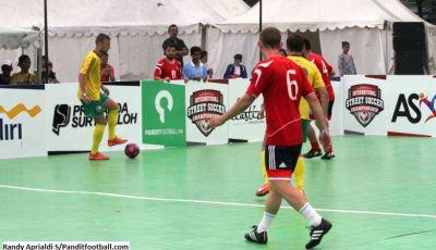 Apa Nikmatnya Bermain Street Soccer?