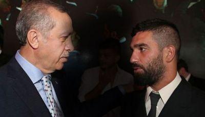Arda Turan, Si Kutu Buku Sosialis Pendukung Garis Keras Erdogan