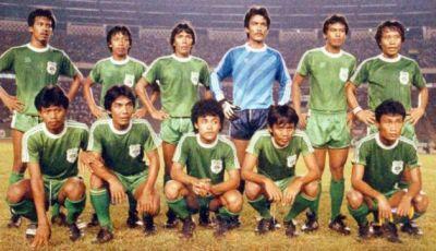 11 Pemain Terbaik Legenda Sepakbola Indonesia